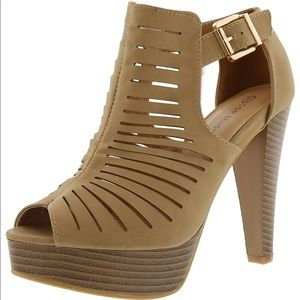 Tan Gladiator Bootie sandals size 7